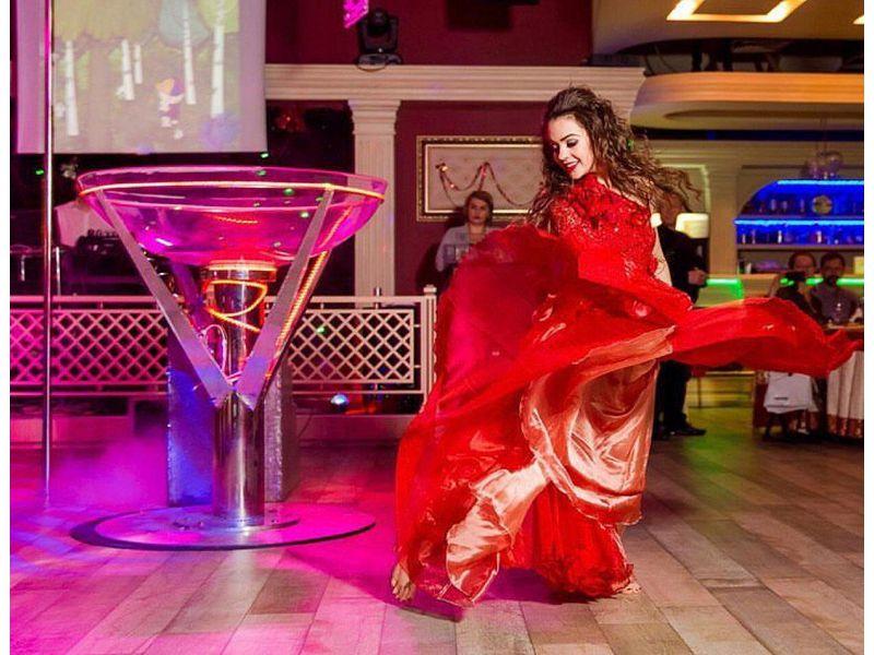 Девушка в бокале, заказать на праздник, Lady in glass, пригласить в Краснодаре. Ростове