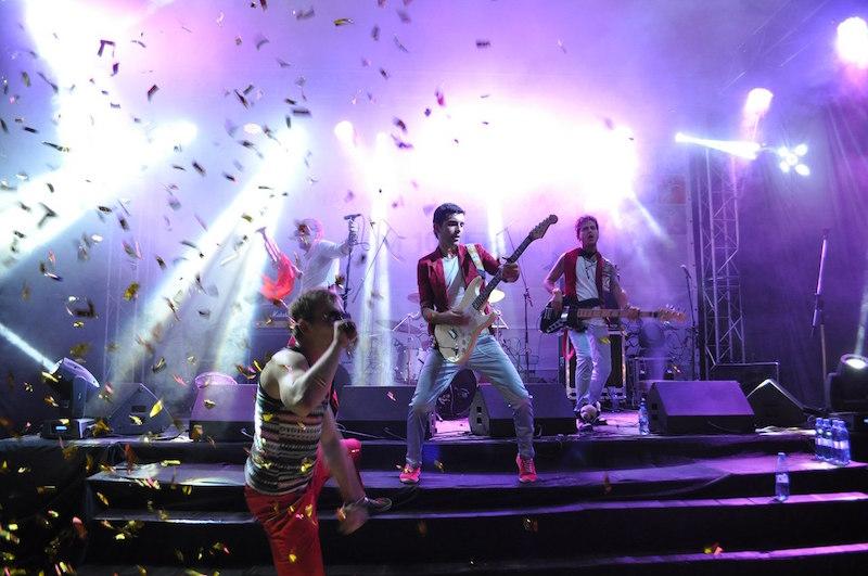 Кавер группа Мальчики по Вызову, сайт группы, стоимость выступления, цена, заказ концертов, заказать на свадьбу, сколько стоит пригласить Ростов-на-Дону, Кавер группы, музыканты на праздник